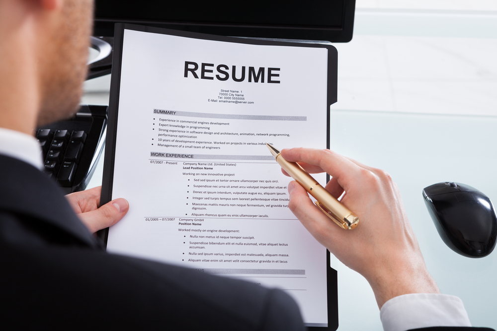 battle the bot how to get your resume read by a real human being appleone blog